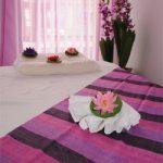 Bädd i lila rummet inbjuder till massage!